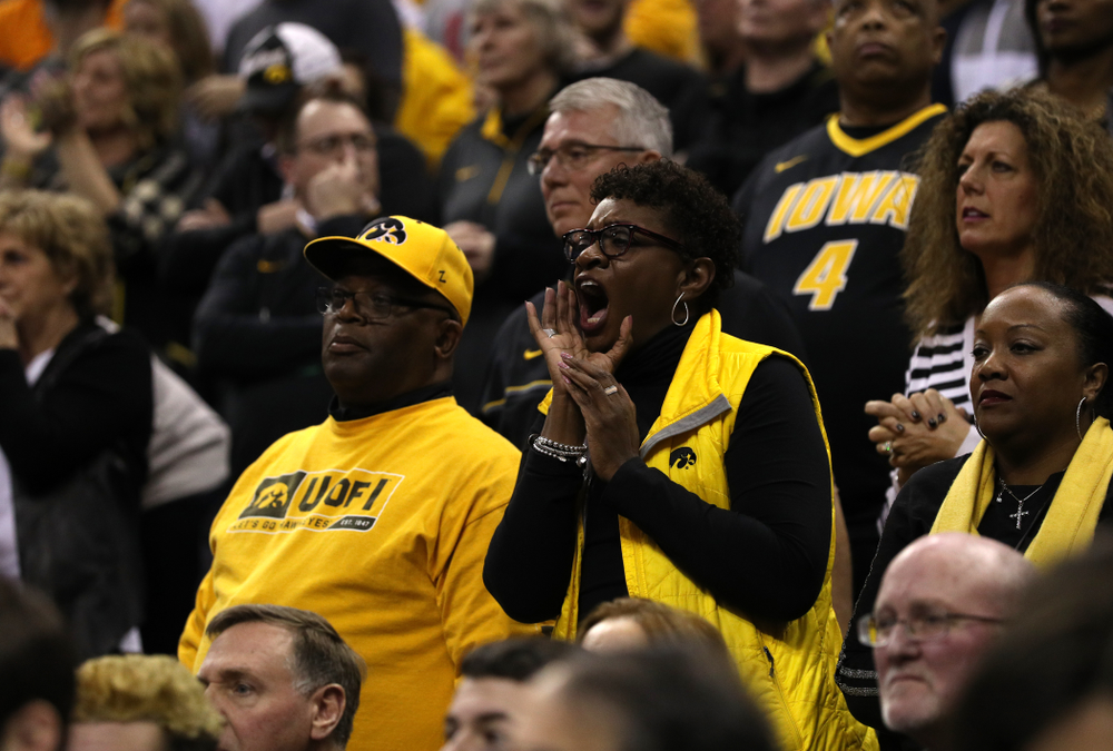 Fans cheer on the Iowa Hawkeyes against the Tennessee Volunteers in the second round of the 2019 NCAA Men's Basketball Tournament Sunday, March 24, 2019 at Nationwide Arena in Columbus, Ohio. (Brian Ray/hawkeyesports.com)