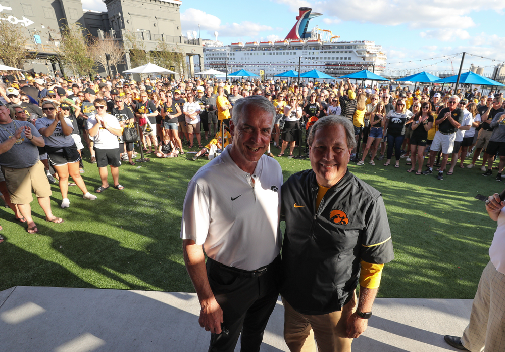 University of Iowa President Bruce Harreld and Henry B. and Patricia B. Tippie Director of Athletics Chair Gary Barta during the Hawkeye Huddle Monday, December 31, 2018 at Sparkman Wharf in Tampa, FL. (Brian Ray/hawkeyesports.com)