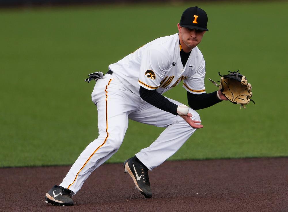 Iowa Hawkeyes outfielder Tanner Wetrich (16)