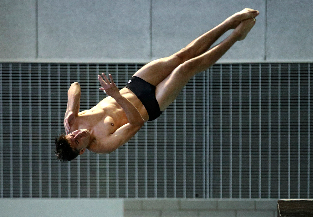 Iowa's Jonatan Posligua competes in the men's 3-meter diving event during their meet against Michigan State and Northern Iowa at the Campus Recreation and Wellness Center in Iowa City on Friday, Oct 4, 2019. (Stephen Mally/hawkeyesports.com)