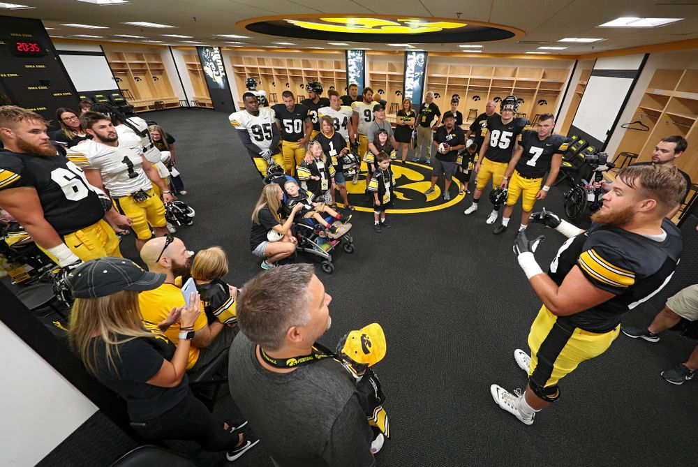 Iowa Hawkeyes offensive lineman Landan Paulsen (68) talks to the Kid Captains about the swarm during Kids Day at Kinnick Stadium in Iowa City on Saturday, Aug 10, 2019. (Stephen Mally/hawkeyesports.com)