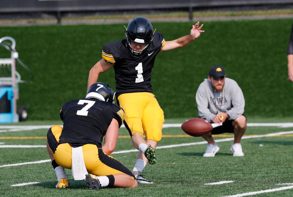 Iowa Hawkeyes place kicker Keith Duncan (1) during camp practice No. 16 Tuesday, August 21, 2018 at the Hansen Football Performance Center. (Brian Ray/hawkeyesports.com)