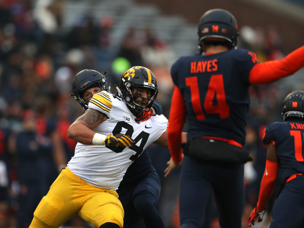 Iowa Hawkeyes defensive end A.J. Epenesa (94) blocks a punt against the Illinois Fighting Illini Saturday, November 17, 2018 at Memorial Stadium in Champaign, Ill. (Brian Ray/hawkeyesports.com)