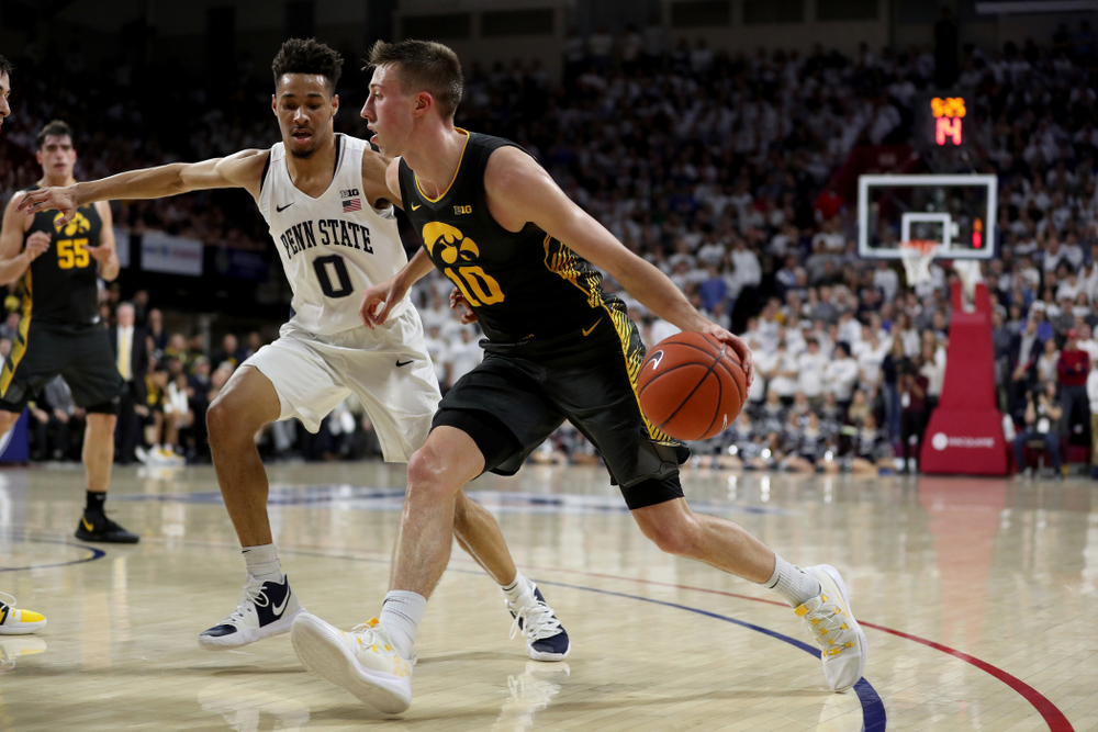 Iowa Hawkeyes guard Joe Wieskamp (10) against Penn State Saturday, January 4, 2020 at the Palestra in Philadelphia. (Brian Ray/hawkeyesports.com)