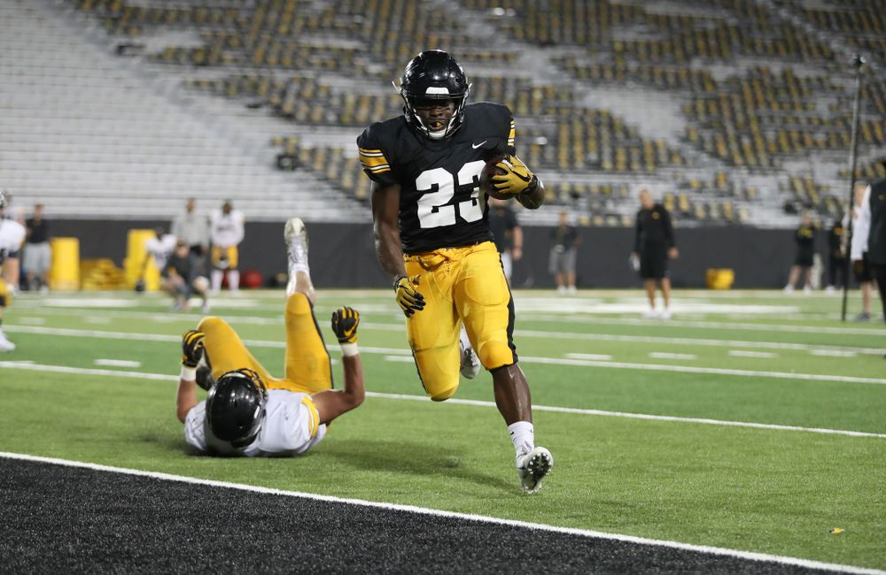 Iowa Hawkeyes running back Shadrick Byrd (23)