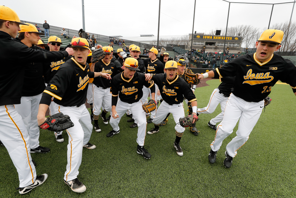 The Iowa Hawkeyes take the field against the Bradley Braves Wednesday, March 28, 2018 at Duane Banks Field. (Brian Ray/hawkeyesports.com)