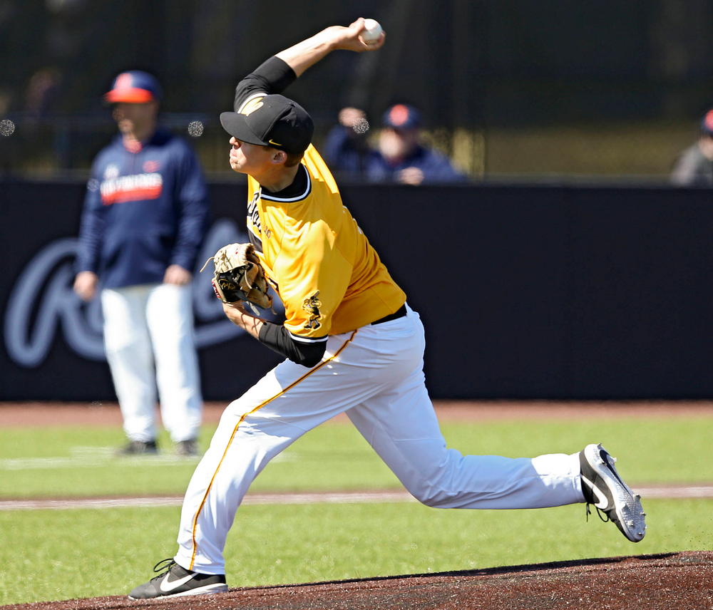 Iowa Hawkeyes pitcher Grant Judkins (7) delivers to the plate during the second inning against Illinois at Duane Banks Field in Iowa City on Sunday, Mar. 31, 2019. (Stephen Mally/hawkeyesports.com)