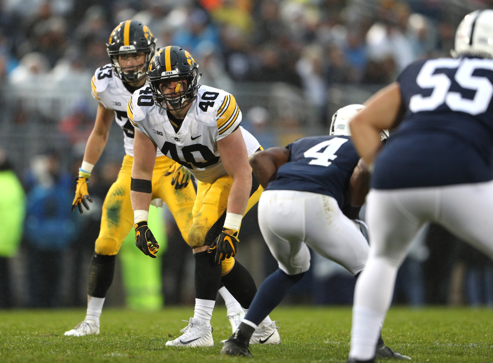 Iowa Hawkeyes defensive end Parker Hesse (40) against the Penn State Nittany Lions Saturday, October 27, 2018 at Beaver Stadium in University Park, Pa. (Brian Ray/hawkeyesports.com)