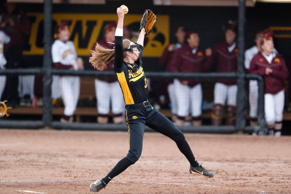 Iowa Hawkeyes starting pitcher/relief pitcher Allison Doocy (3) against the Minnesota Golden Gophers Friday, April 13, 2018 at Bob Pearl Field. (Brian Ray/hawkeyesports.com)