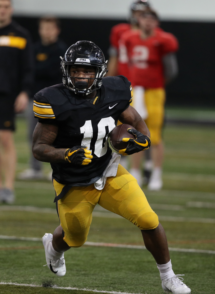 Iowa Hawkeyes running back Mekhi Sargent (10) during preparation for the 2019 Outback Bowl Wednesday, December 19, 2018 at the Hansen Football Performance Center. (Brian Ray/hawkeyesports.com)