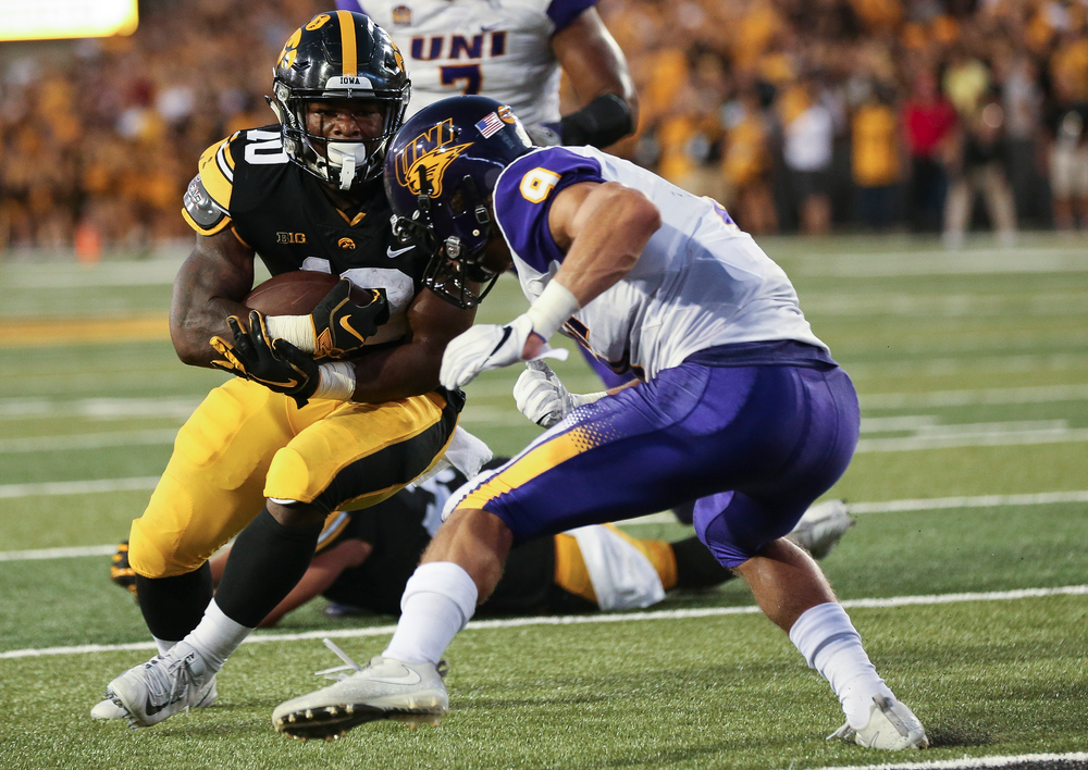 Iowa Hawkeyes running back Mekhi Sargent (10) runs the ball during a game against Northern Iowa at Kinnick Stadium on September 15, 2018. (Tork Mason/hawkeyesports.com)