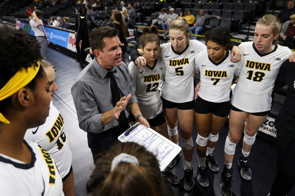 Iowa Hawkeyes head coach Bond Shymansky gives instructions before a match against Rutgers at Carver-Hawkeye Arena on November 2, 2018. (Tork Mason/hawkeyesports.com)