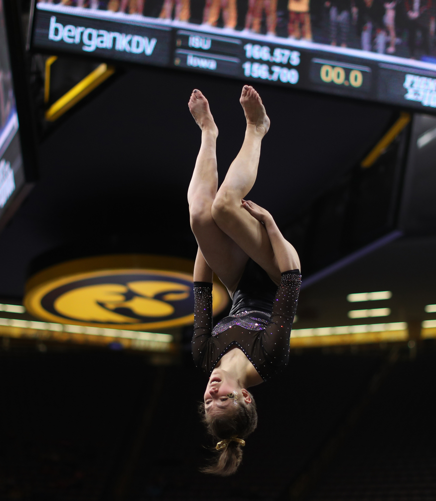 The Iowa Hawkeyes against the Iowa State Cyclones Friday, March 1, 2019 at Carver-Hawkeye Arena. (Brian Ray/hawkeyesports.com)