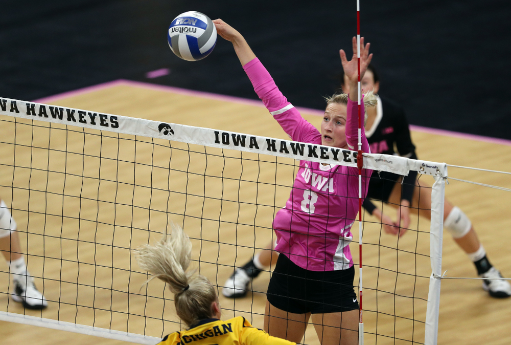 Iowa Hawkeyes outside hitter Kyndra Hansen (8) against the Michigan Wolverines Friday, October 11, 2019 at Carver-Hawkeye Arena.(Brian Ray/hawkeyesports.com)