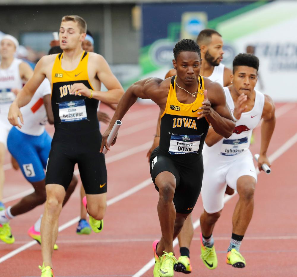 Collin Hofacker, Emmanuel Ogwo-- 4x400 relay