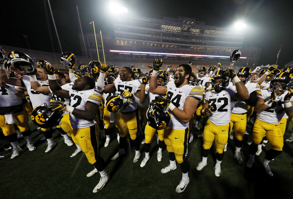"""The Iowa Hawkeyes sing the """"Fight Song"""" against the Illinois Fighting Illini Saturday, November 17, 2018 at Memorial Stadium in Champaign, Ill. (Brian Ray/hawkeyesports.com)"""