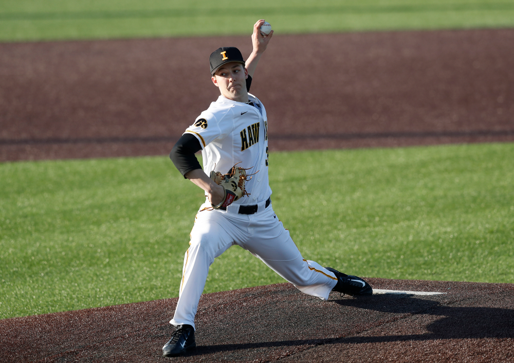 Iowa Hawkeyes pitcher Cam Baumann (35) against Northern Illinois Tuesday, April 17, 2018 at Duane Banks Field. (Brian Ray/hawkeyesports.com)