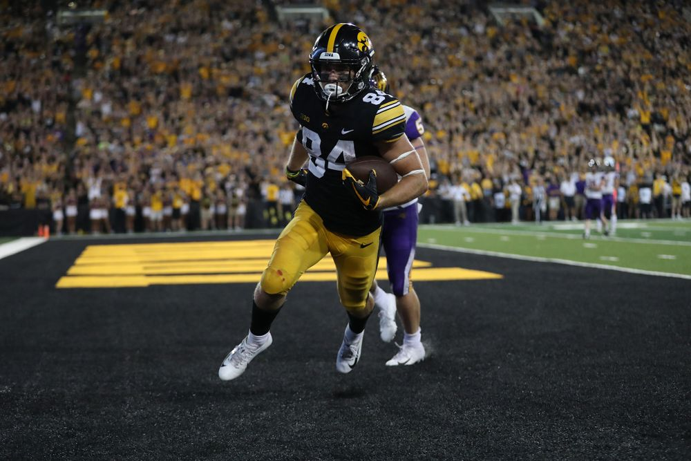 Iowa Hawkeyes wide receiver Nick Easley (84) scores against the Northern Iowa Panthers Saturday, September 15, 2018 at Kinnick Stadium. (Max Allen/hawkeyesports.com)