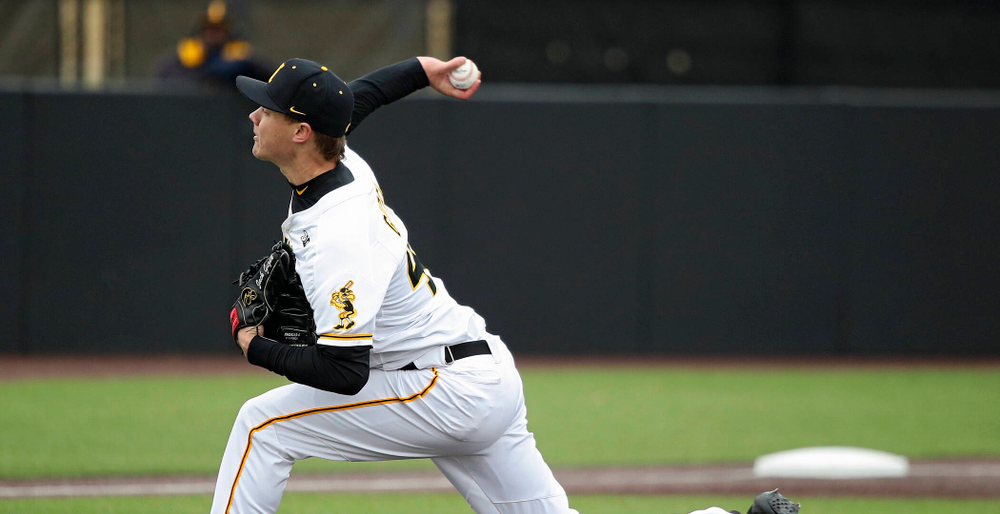 Iowa pitcher Jack Guzek (40) delivers to the plate during the third inning of their college baseball game at Duane Banks Field in Iowa City on Wednesday, March 11, 2020. (Stephen Mally/hawkeyesports.com)