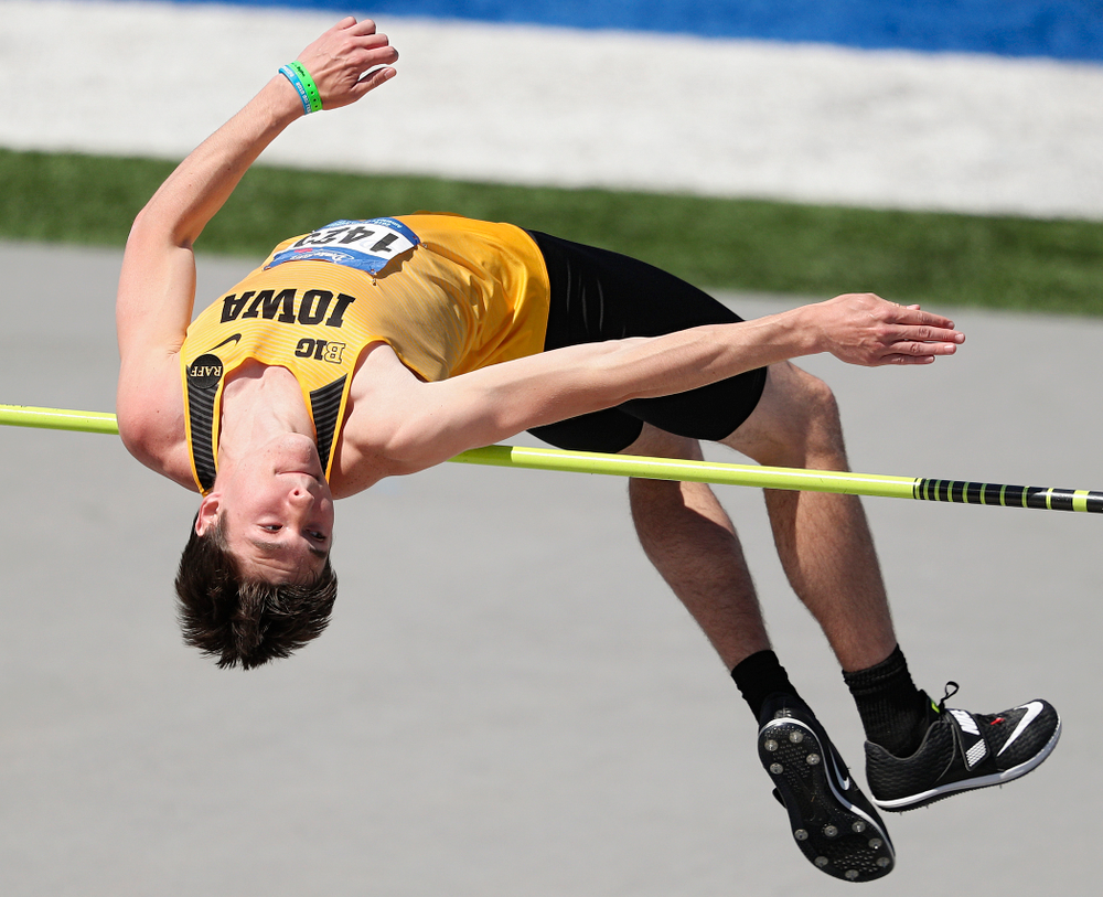 Iowa's Jay Hunt clears the bar in the men's high jump event during the second day of the Drake Relays at Drake Stadium in Des Moines on Friday, Apr. 26, 2019. (Stephen Mally/hawkeyesports.com)
