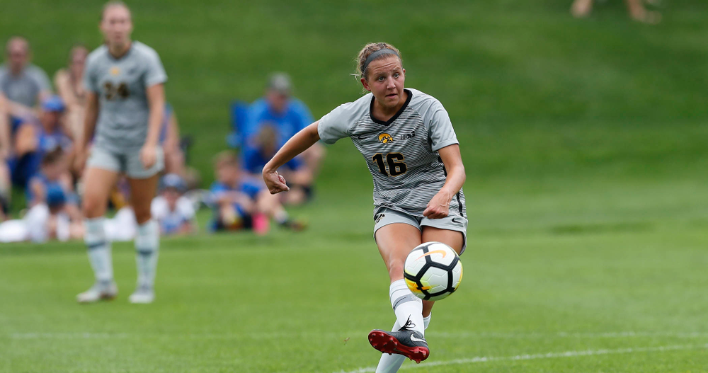 Iowa Hawkeyes Olivia Hellweg (16) against Indiana State Sunday, August 26, 2018 at the Iowa Soccer Complex. (Brian Ray/hawkeyesports.com)