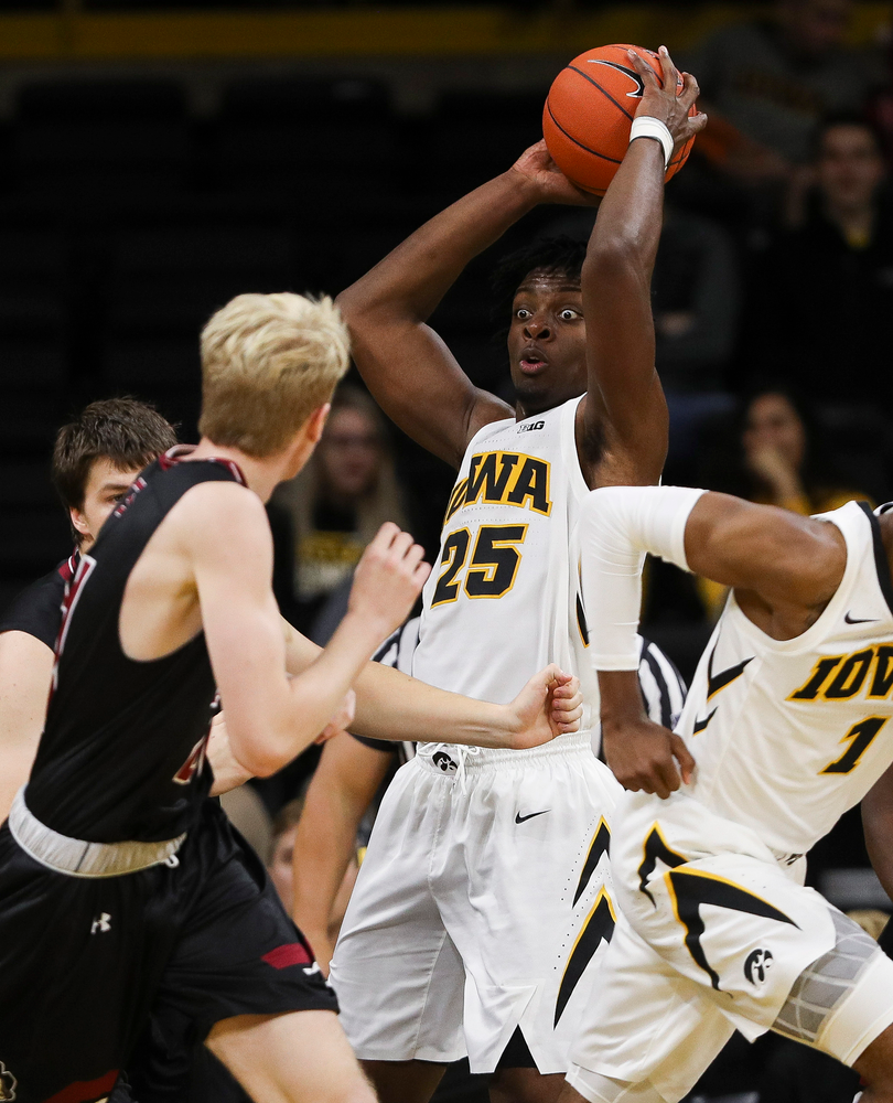 Iowa Hawkeyes forward Tyler Cook (25) looks to make an outlet pass during a game against Guilford College at Carver-Hawkeye Arena on November 4, 2018. (Tork Mason/hawkeyesports.com)