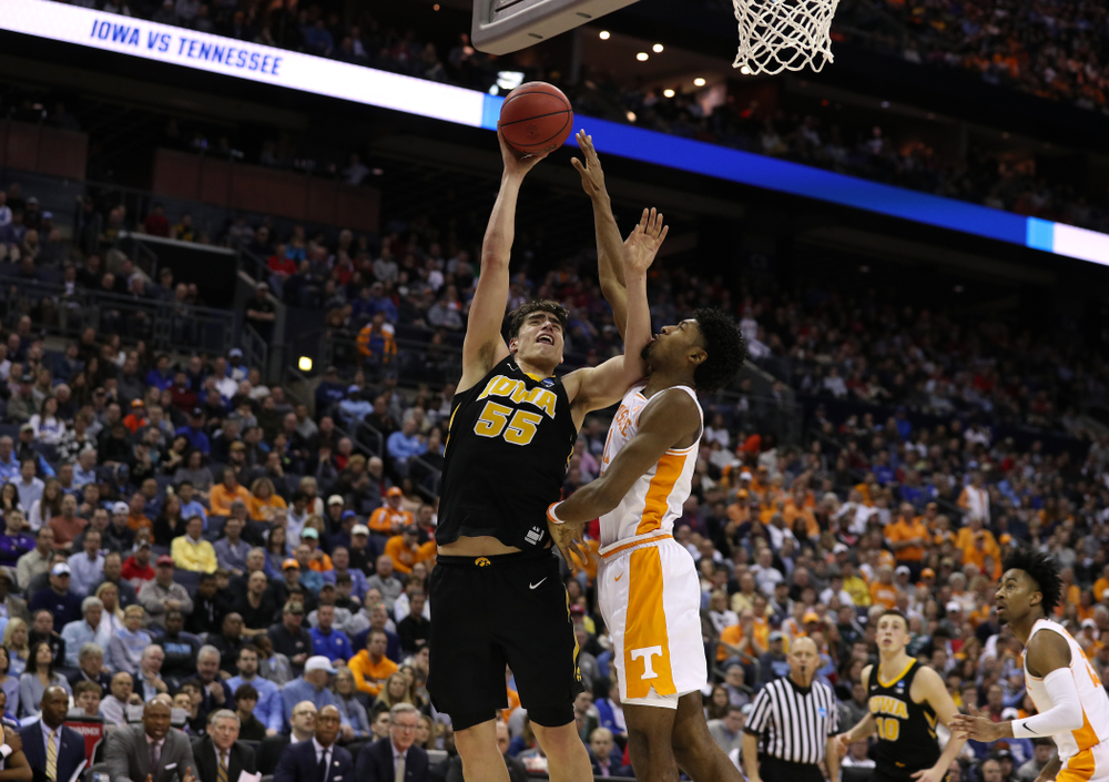 Iowa Hawkeyes forward Luka Garza (55) against the Tennessee Volunteers in the second round of the 2019 NCAA Men's Basketball Tournament Sunday, March 24, 2019 at Nationwide Arena in Columbus, Ohio. (Brian Ray/hawkeyesports.com)
