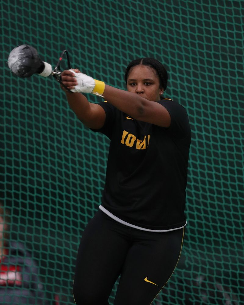 Iowa's Nia Britt competes in the weight throw Friday, January 11, 2019 at the Hawkeye Tennis and Recreation Center. (Brian Ray/hawkeyesports.com)