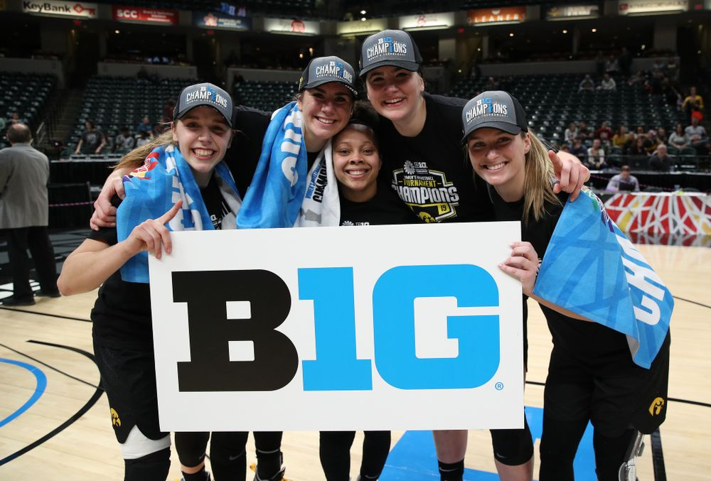 Iowa Hawkeyes guard Kathleen Doyle (22), forward Hannah Stewart (21), guard Tania Davis (11), forward Megan Gustafson (10), and guard Makenzie Meyer (3) against the Maryland Terrapins Sunday, March 10, 2019 at Bankers Life Fieldhouse in Indianapolis, Ind. (Brian Ray/hawkeyesports.com)