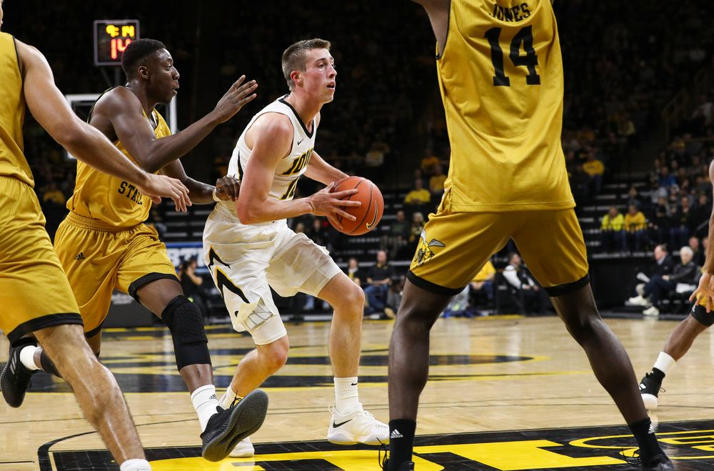 Iowa Hawkeyes guard Joe Wieskamp (10) looks to pass the ball during a game against Alabama State at Carver-Hawkeye Arena on November 21, 2018. (Tork Mason/hawkeyesports.com)