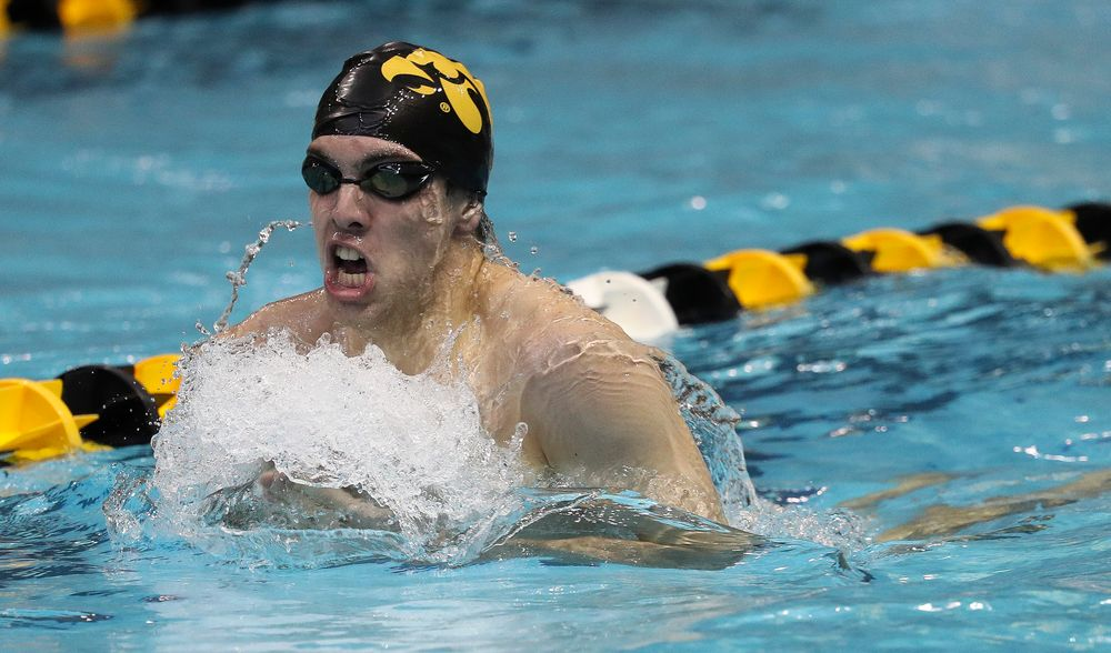 Iowa's Weston Credit competes in the 400-yard individual medley during a meet against Michigan and Denver at the Campus Recreation and Wellness Center on November 3, 2018. (Tork Mason/hawkeyesports.com)