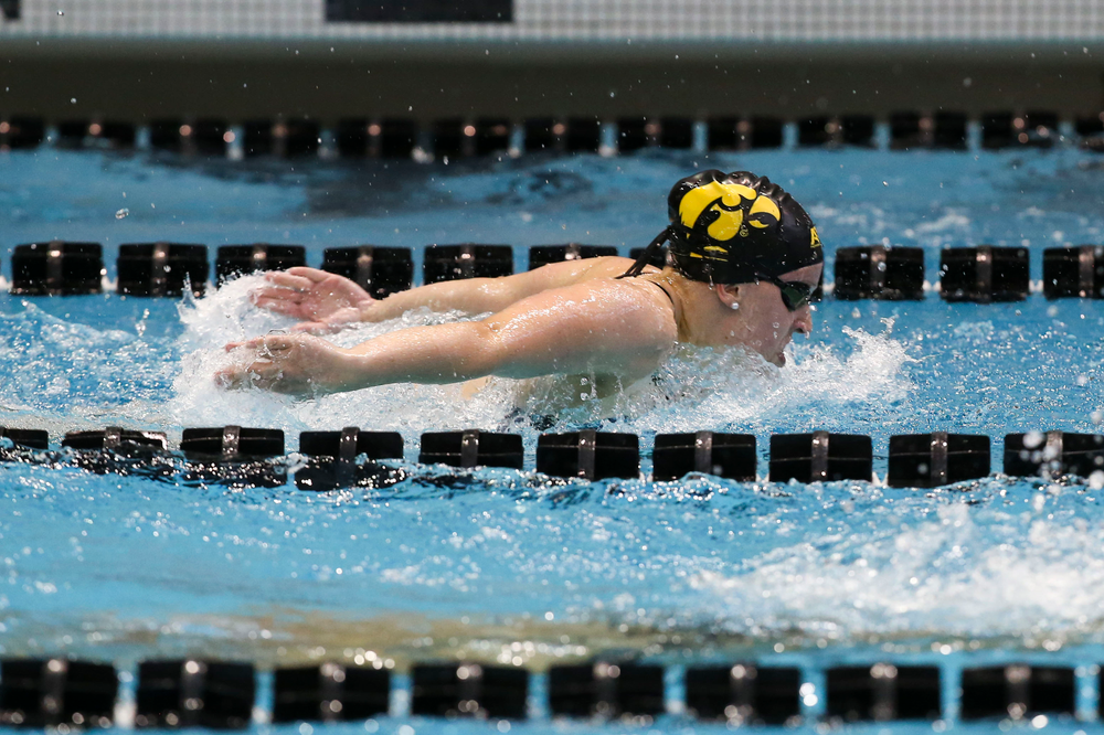 Iowa's Amy Lenderink during Iowa swim and dive vs Minnesota on Saturday, October 26, 2019 at the Campus Wellness and Recreation Center. (Lily Smith/hawkeyesports.com)