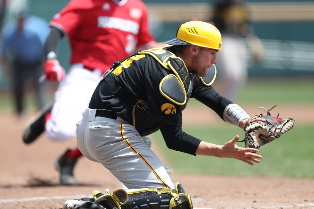 Iowa Hawkeyes catcher Austin Martin (34) against the Nebraska Cornhuskers in the first round of the Big Ten Baseball Tournament Friday, May 24, 2019 at TD Ameritrade Park in Omaha, Neb. (Brian Ray/hawkeyesports.com)