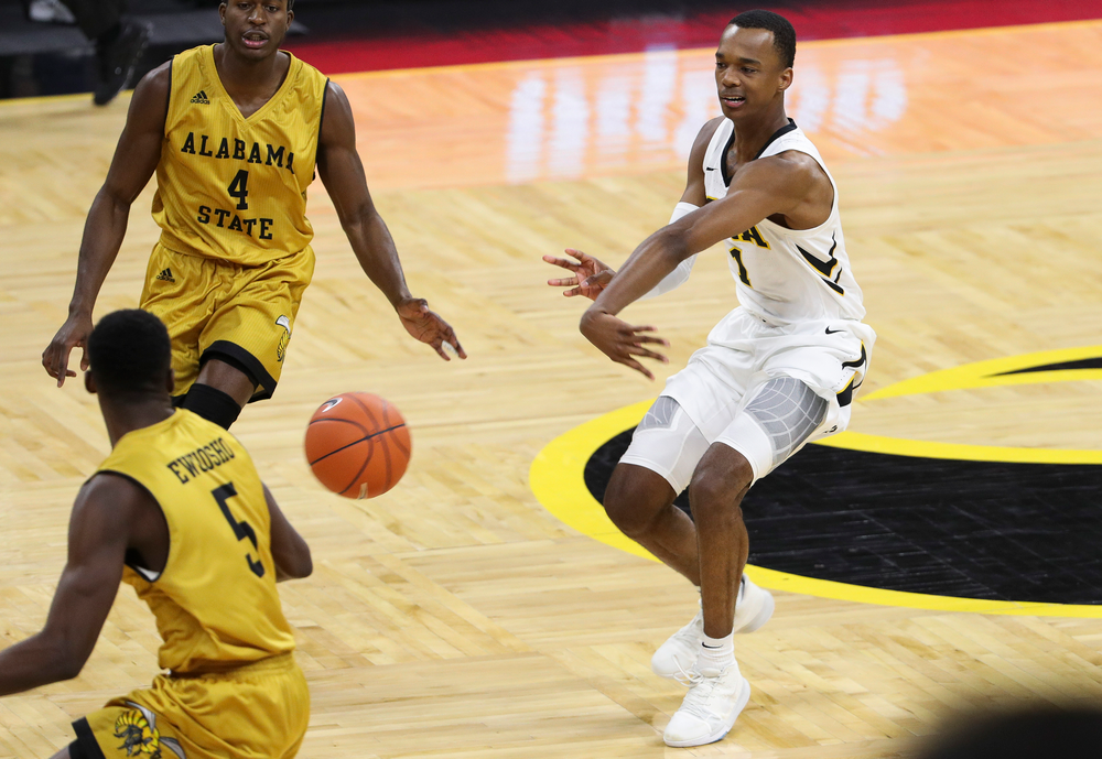 Iowa Hawkeyes guard Maishe Dailey (1) passes the ball during a game against Alabama State at Carver-Hawkeye Arena on November 21, 2018. (Tork Mason/hawkeyesports.com)