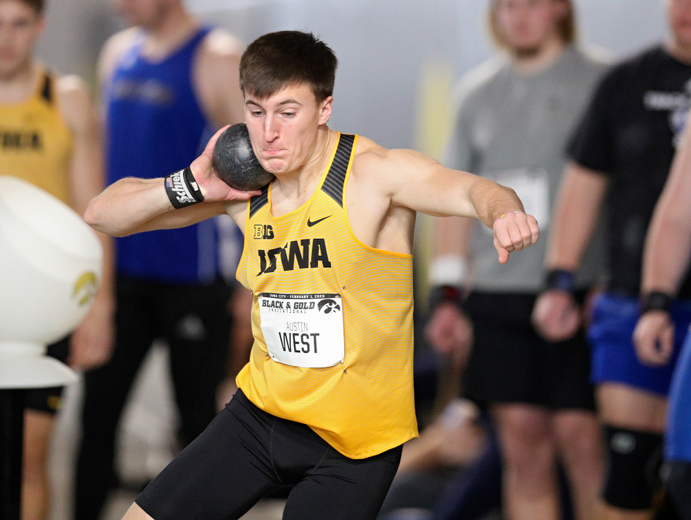 Iowa's Austin West throws in the men's shot put event at the Black and Gold Invite at the Recreation Building in Iowa City on Saturday, February 1, 2020. (Stephen Mally/hawkeyesports.com)