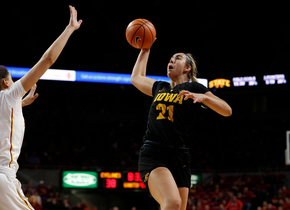 Iowa Hawkeyes forward Hannah Stewart (21)