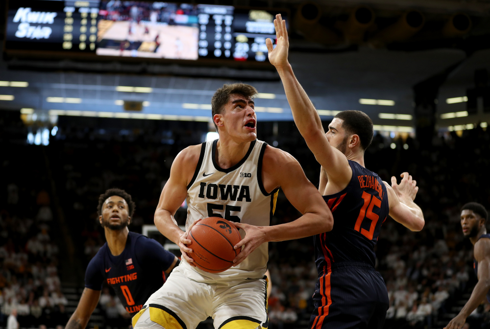 Iowa Hawkeyes forward Luka Garza (55) against the Illinois Fighting Illini Sunday, February 2, 2020 at Carver-Hawkeye Arena. (Brian Ray/hawkeyesports.com)