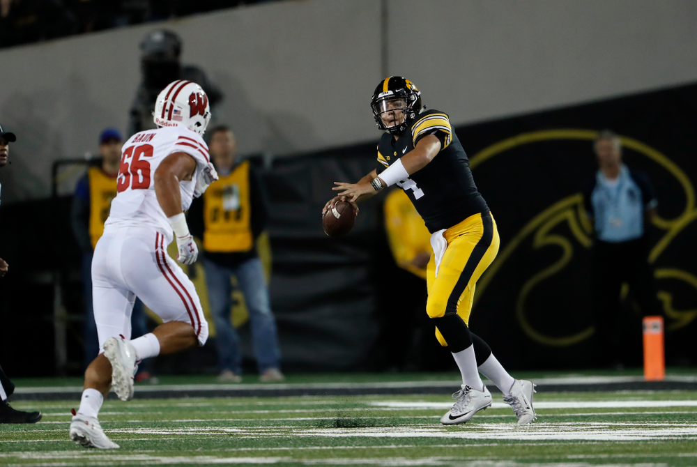 Iowa Hawkeyes quarterback Nate Stanley (4) against the Wisconsin Badgers Saturday, September 22, 2018 at Kinnick Stadium. (Brian Ray/hawkeyesports.com)