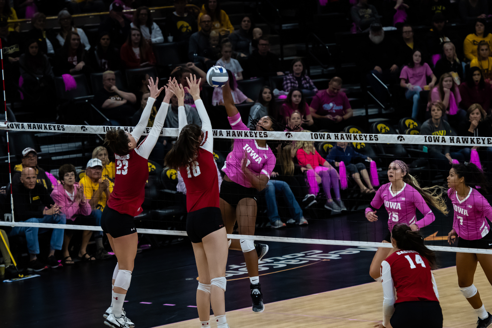 Iowa Hawkeyes middle blocker Amiya Jones (9) against the Wisconsin Badgers Saturday, October 6, 2018 at Carver-Hawkeye Arena. (Clem Messerli/Iowa Sports Pictures)