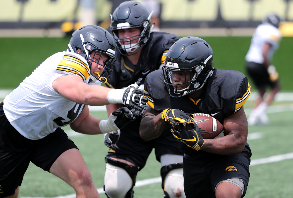Iowa Hawkeyes running back Mekhi Sargent (10) during the third practice of fall camp Sunday, August 5, 2018 at the Kenyon Football Practice Facility. (Brian Ray/hawkeyesports.com)