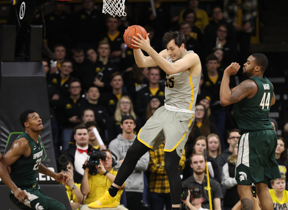 Iowa Hawkeyes forward Ryan Kriener (15) against the Michigan State Spartans Thursday, January 24, 2019 at Carver-Hawkeye Arena. (Brian Ray/hawkeyesports.com)