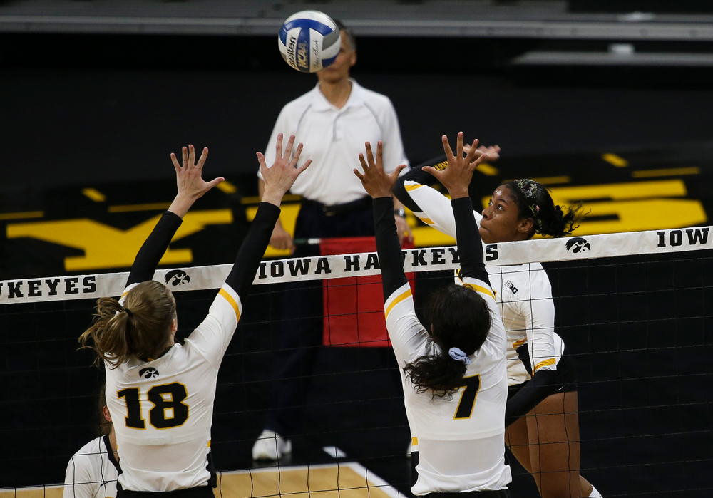 Iowa Hawkeyes outside hitter Griere Hughes (10)