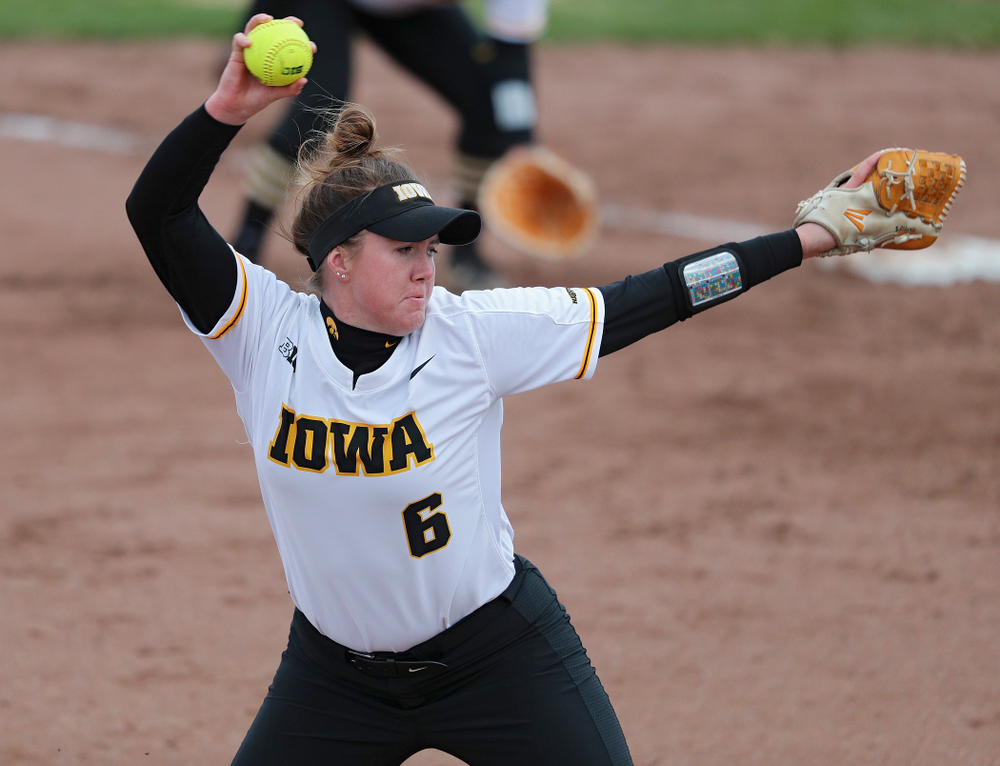 Iowa pitcher Erin Riding (6) delivers to the plate during the fifth inning of their game against Illinois at Pearl Field in Iowa City on Friday, Apr. 12, 2019. (Stephen Mally/hawkeyesports.com)