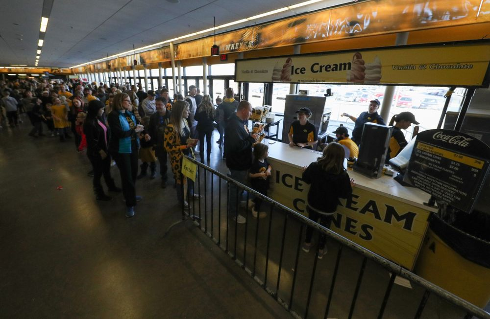 People line up for Carver Cones during the Iowa Hawkeyes game against the Northwestern Wildcats Sunday, March 3, 2019 at Carver-Hawkeye Arena. (Brian Ray/hawkeyesports.com)