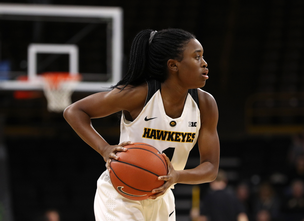 Iowa Hawkeyes guard Tomi Taiwo (1) against the Illinois Fighting Illini Thursday, February 14, 2019 at Carver-Hawkeye Arena. (Brian Ray/hawkeyesports.com)