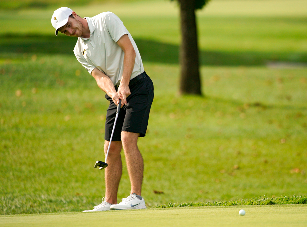 Iowa's Jake Rowe putts during the second day of the Golfweek Conference Challenge at the Cedar Rapids Country Club in Cedar Rapids on Monday, Sep 16, 2019. (Stephen Mally/hawkeyesports.com)
