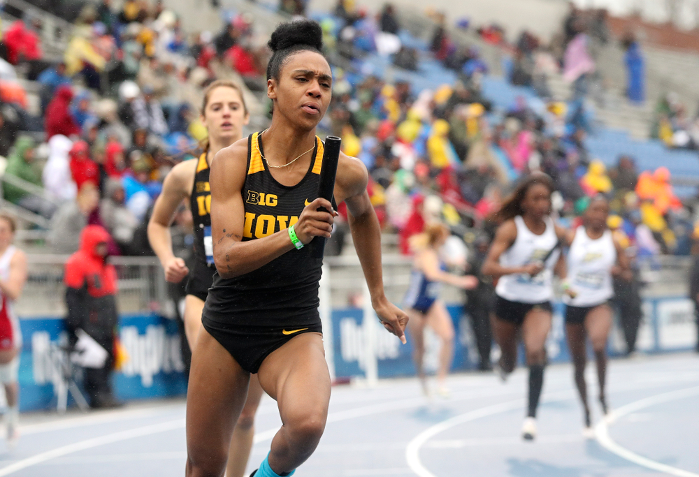 Iowa's Briana Guillory runs the women's sprint medley relay event during the third day of the Drake Relays at Drake Stadium in Des Moines on Saturday, Apr. 27, 2019. (Stephen Mally/hawkeyesports.com)