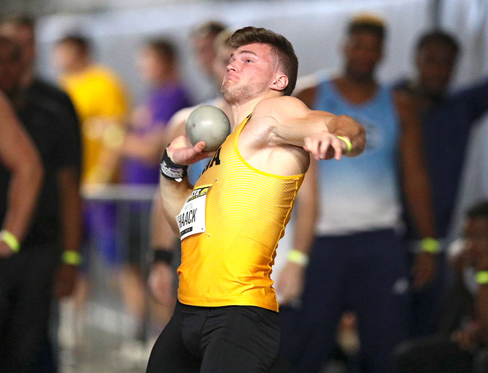 Iowa's Peyton Haack throws in the men's shot put event during the Hawkeye Invitational at the Recreation Building in Iowa City on Saturday, January 11, 2020. (Stephen Mally/hawkeyesports.com)