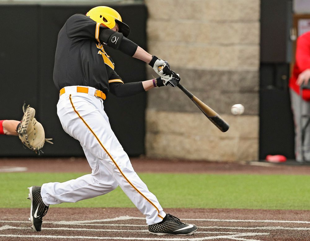 Iowa Hawkeyes center fielder Ben Norman (9) drives in a run with a hit during the third inning of their game against Illinois State at Duane Banks Field in Iowa City on Wednesday, Apr. 3, 2019. (Stephen Mally/hawkeyesports.com)