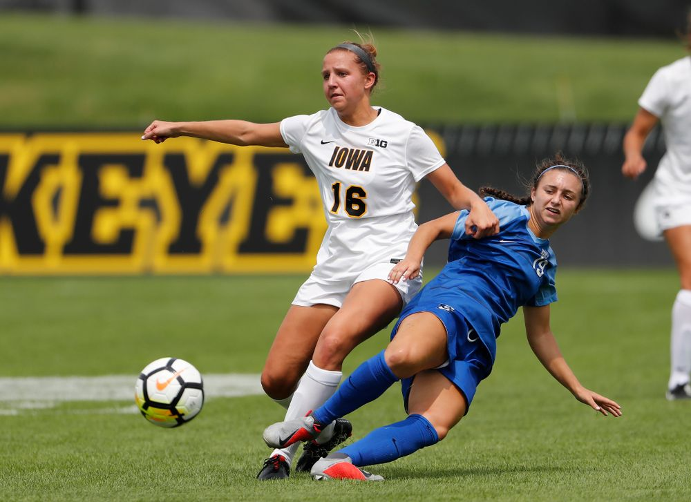 Iowa Hawkeyes Olivia Hellweg (16) against the Creighton Bluejays  Sunday, August 19, 2018 at the Iowa Soccer Complex. (Brian Ray/hawkeyesports.com)